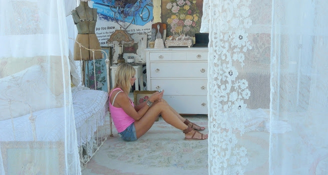 Girl lace curtains